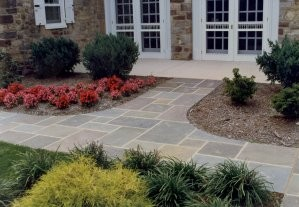 Full Color Range Natural Cleft PA Flagstone Walkway