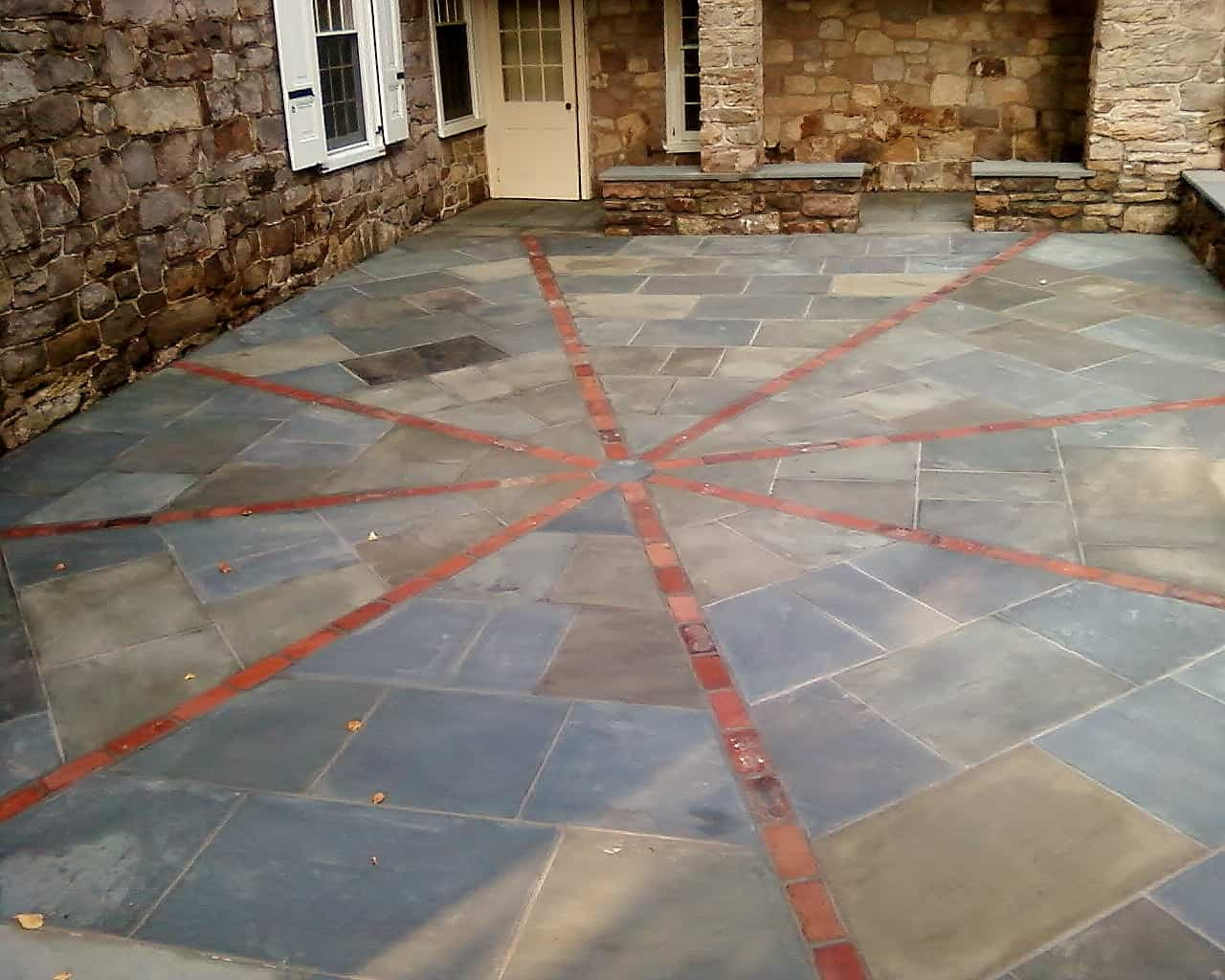 Robinson Flagstone Full Color Range Natural Cleft Pa