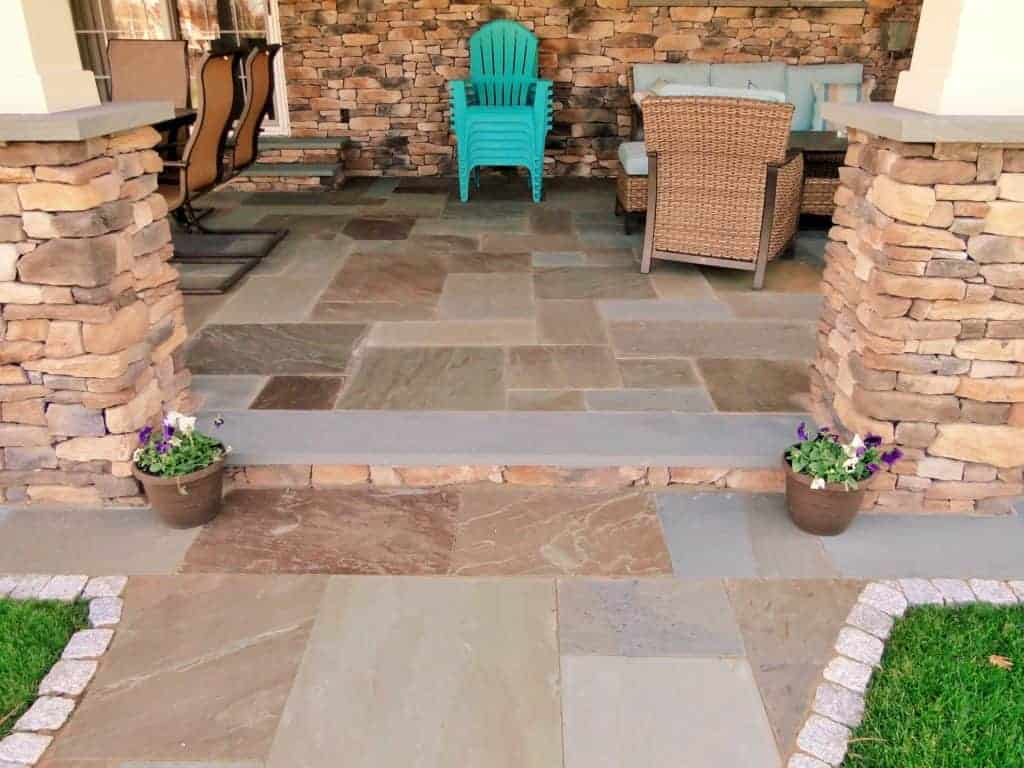 Natural Cleft Bluestone & Thermal Tread